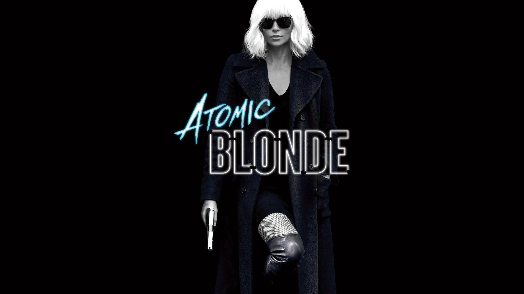 """Filmkritik zu """"Atomic Blonde"""" (Review, Kritik), hier ein Aussschnitt aus dem offiziellen Kinoposter. Ein Actionfilm im Stil von """"John Wick"""" mit Agenten und 80er-Jahre-Flair im Berlin des Mauerfalls. Kinostart: 24. August 2017."""